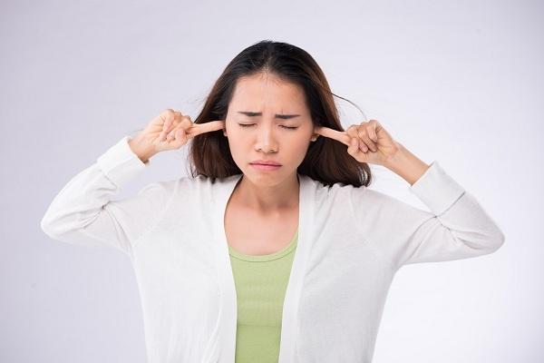 Kondisi Medis di Balik Telinga Berdenging - Alodokter
