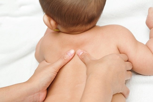 Ketahui Cara Pijat Bayi yang Benar - Alodokter