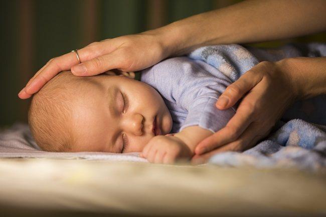 Trik Jitu Membuat Bayimu Terlelap Sepanjang Malam - Alodokter