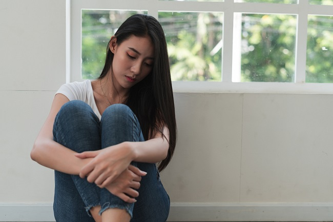 Jangan Anggap Sepele, Ini Bahaya Memendam Emosi - Alodokter