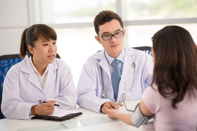Memahami Lebih Jauh Fungsi dan Tugas Dokter Umum - Alodokter
