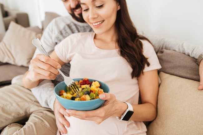Daftar Makanan Bergizi untuk Ibu Hamil dan Manfaatnya - Alodokter