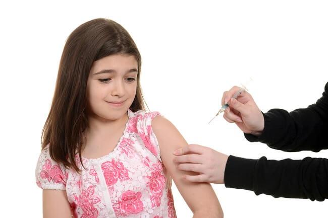 Normalkah Kulit Anak Bengkak Setelah Imunisasi? - Alodokter