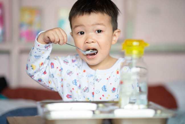 Begini Membentuk Pola Makan Sehat Balita - Alodokter