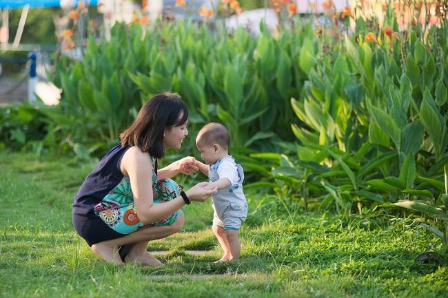 Tips Melatih Anak Berjalan dengan Aman - Alodokter