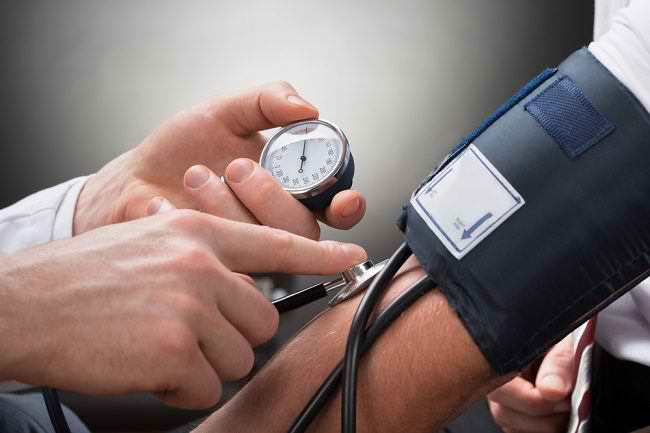 Hipotensi dan Hipertensi, Mana yang Lebih Berbahaya? - Alodokter