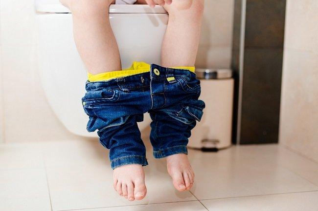 Benarkah BAB Setelah Makan bisa Menyebabkan Berat Badan Anak Sulit Naik? - Alodokter