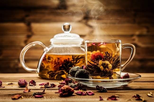 Berbagai Manfaat Teh Herbal untuk Kesehatan - Alodokter