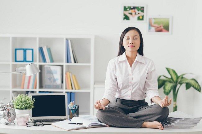 Tips Mengatasi Stres Kerja - Alodokter
