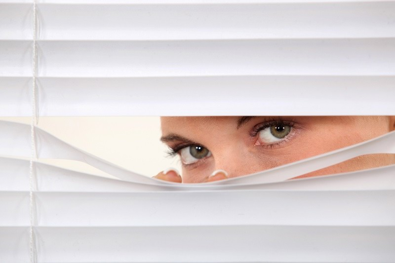 Mengenali Gejala Paranoid dan Cara Mengatasinya - Alodokter
