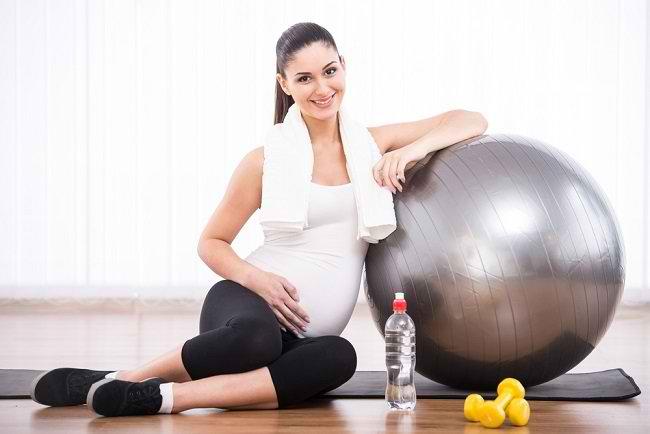Ini Alasan Ibu Hamil Rajin Berolahraga Melahirkan Bayi Pintar - Alodokter