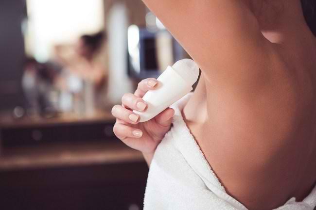 Memahami Fungsi Antiperspirant dan Fakta Penggunaannya kepada Kesehatan - Alodokter