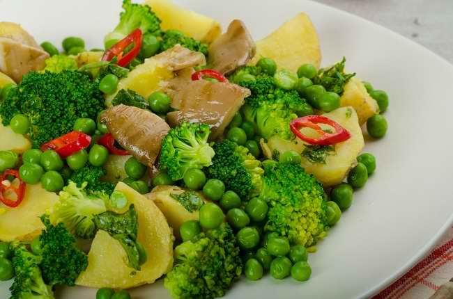 Ini Daftar Sayuran untuk Penderita Asam Urat yang Boleh Dikonsumsi - Alodokter