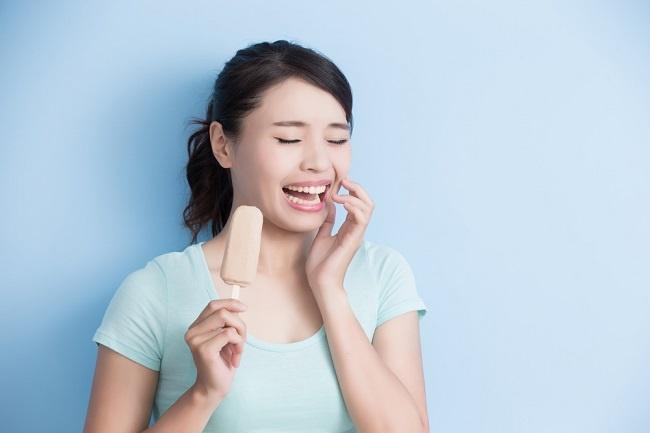 Ini Penyebab Gigi Sensitif dan Solusinya - Alodokter
