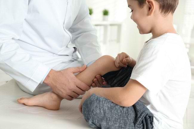 Mengenal Lebih Dekat Dokter Ortopedi Ahli Pediatrik - Alodokter