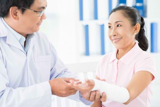 Mengenal Profesi Dokter Ortopedi Ahli Traumatologi dan Rekonstruksi - Alodokter