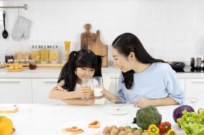 Manfaat Minum Susu sebagai Cara Hidup Sehat - Alodokter