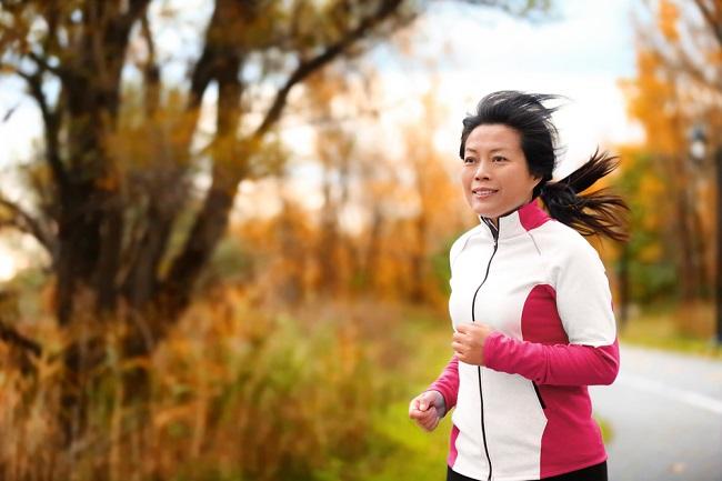 Peran Kalsium, Vitamin C, dan Vitamin D untuk Cegah Osteoporosis dan Memperkuat Sistem Imun - Alodokter