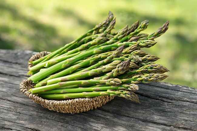 7 Manfaat Asparagus untuk Kesehatan Tubuh - Alodokter