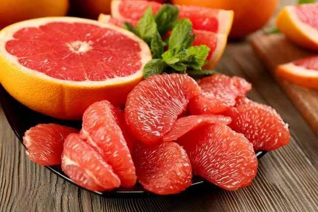 7 Manfaat Grapefruit, Buah yang Mirip Jeruk Bali - Alodokter