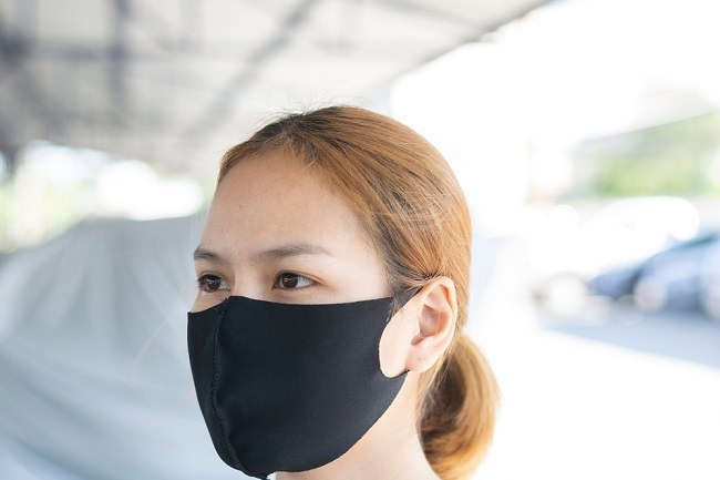 Benarkah Penggunaan Masker Scuba Tidak Efektif untuk Menangkal Virus Corona? - Alodokter
