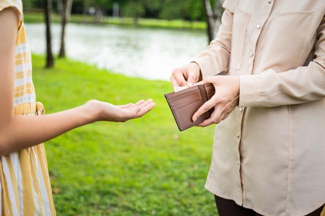 Penyebab Anak Materialistis dan Cara Mencegahnya - Alodokter