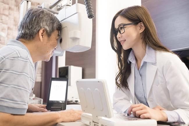 Dokter Mata Ahli Vitreo-Retina dan Penyakit yang Ditanganinya - Alodokter