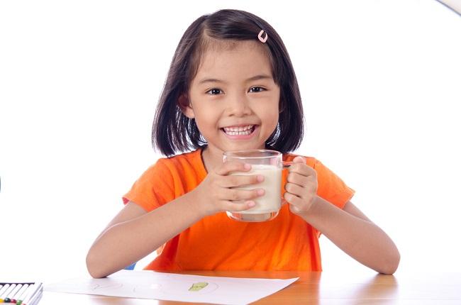 Ketahui Beragam Manfaat Susu Soya untuk Anak - Alodokter