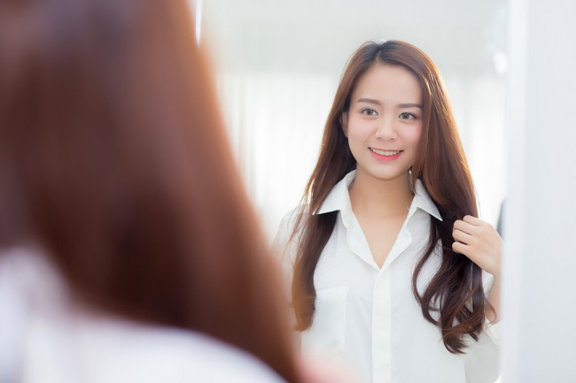 Manfaat Positive Self-Talk dan Cara Melakukannya - Alodokter