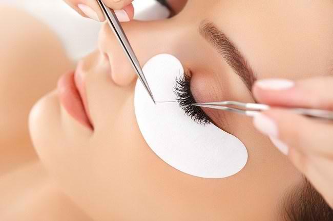 6 Fakta Eyelash Extension yang Penting untuk Diketahui - Alodokter