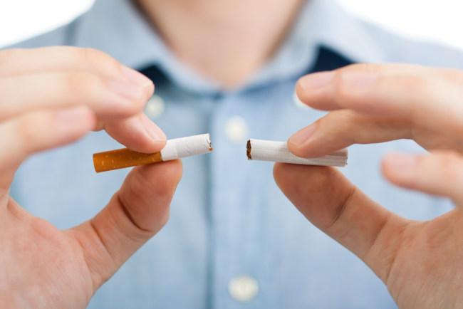 9 Kandungan Rokok yang Berefek Mengerikan untuk Tubuh - Alodokter