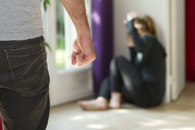 Waspadai Ciri-ciri Umum Pelaku Kekerasan Seksual - Alodokter