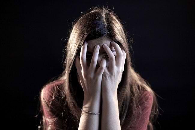 Kenali Fobia Gelap dan Cara Mengatasinya - Alodokter