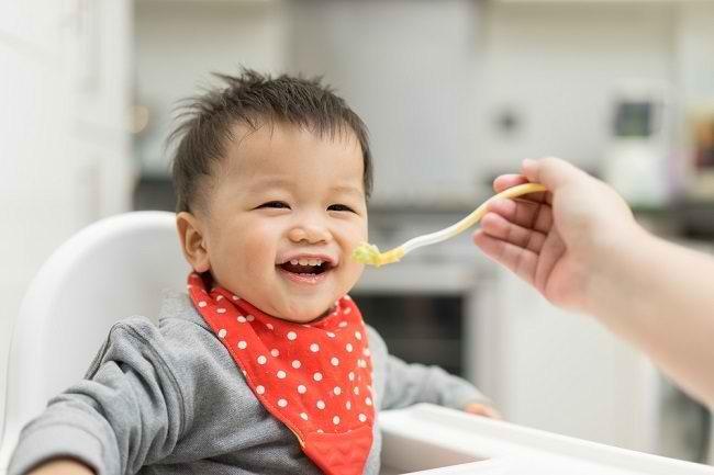 Ketahui Kaitan Antara Perut Sehat dan Suasana Hati Bayi - Alodokter