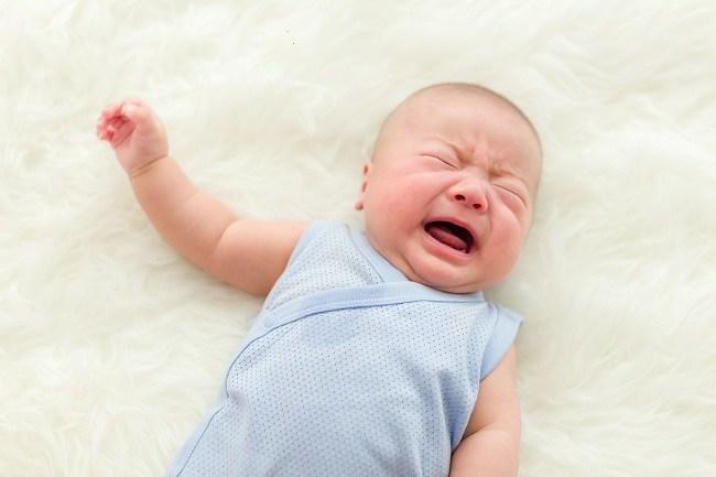 Cara Mengatasi Perut Kembung Pada Bayi - Alodokter