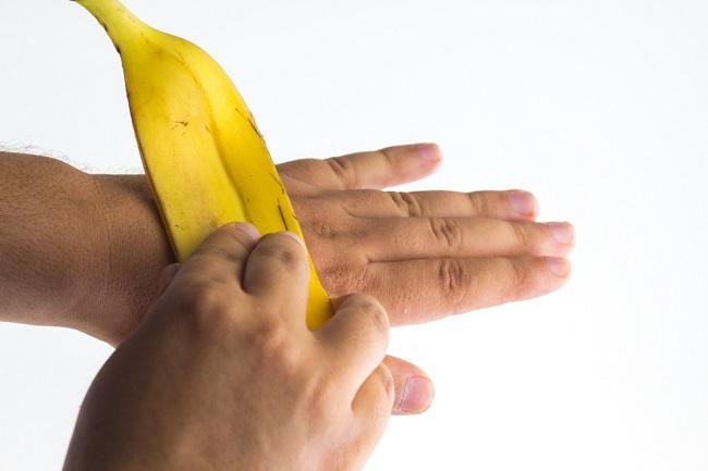 Jangan Sia-Siakan 7 Manfaat Kulit Pisang bagi Kesehatan Ini - Alodokter