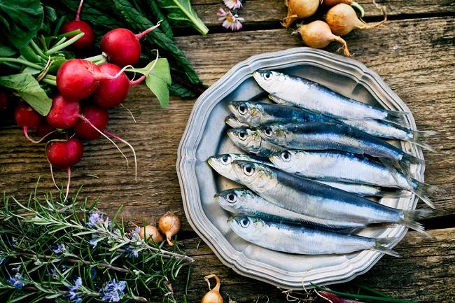 Menilik Beragam Manfaat Ikan Sarden bagi Kesehatan - Alodokter