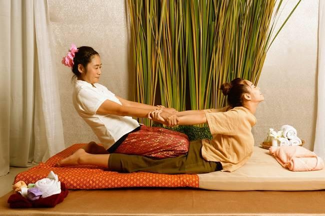 6 Manfaat Thai Massage yang Sayang untuk Dilewatkan - Alodokter
