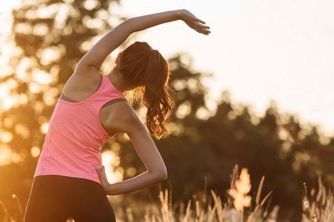 Terkesan Sederhana, Ini Manfaat Stretching bagi Tubuh - Alodokter