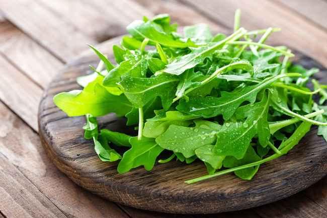 Deretan Nutrisi dan Manfaat Arugula untuk Kesehatan Tubuh - Alodokter