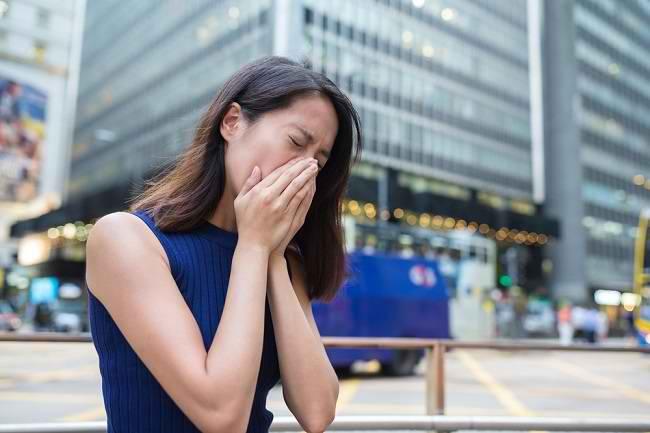 Kenali Gejala dan Cara Mengatasi Alergi Udara - Alodokter