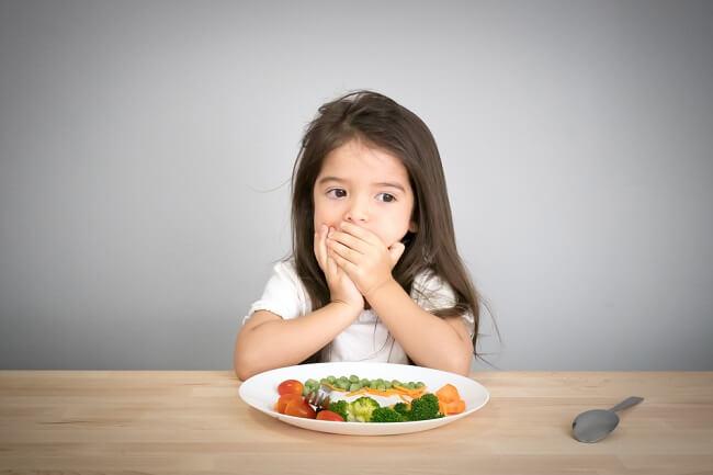Bunda, Begini Trik agar Anak Mau Makan Sayur - Alodokter