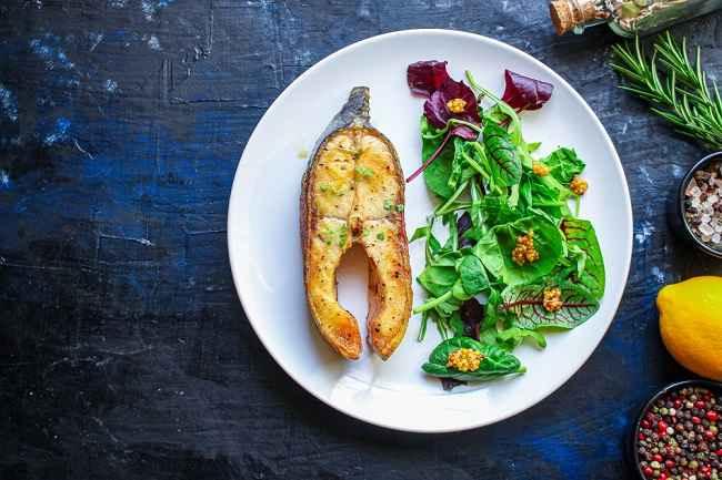 Mengenal Pola Makan Pescatarian dan Manfaatnya bagi Kesehatan - Alodokter