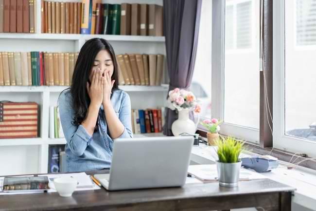 Kenali Penyebab dan Cara Menghilangkan Ngantuk yang Efektif - Alodokter