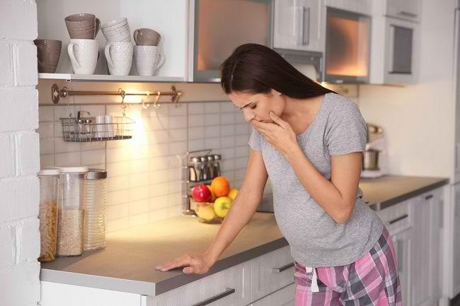 Penyebab Mulut Pahit Saat Hamil dan Cara Mengatasinya - Alodokter