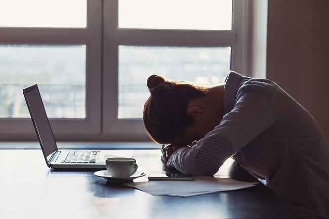 6 Cara Mudah Mengatasi Rasa Lelah - Alodokter