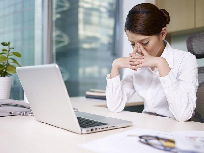 Atasi Stres Kerja dengan Kecerdasan Emosional - Alodokter