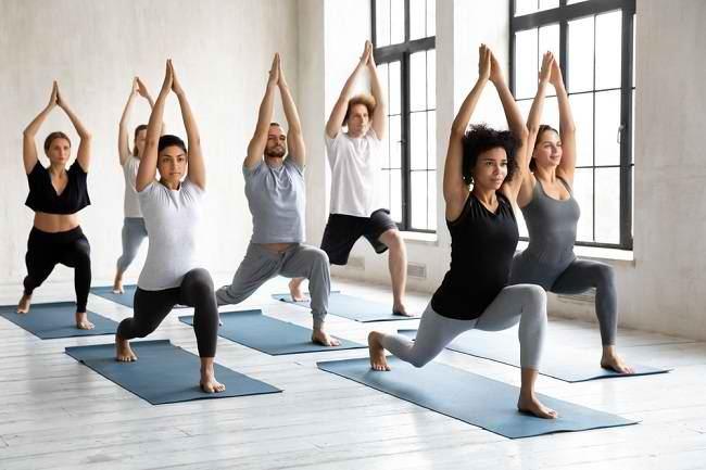 Mengenal Hatha Yoga, Dasar dari Segala Jenis Yoga - Alodokter