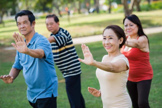 Tai Chi: Kehebatannya Berbanding Lurus dengan Manfaat Kesehatannya - Alodokter