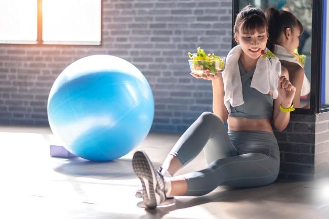 Yuk, Kenali Makanan yang Baik Dikonsumsi Sebelum dan Sesudah Olahraga - Alodokter